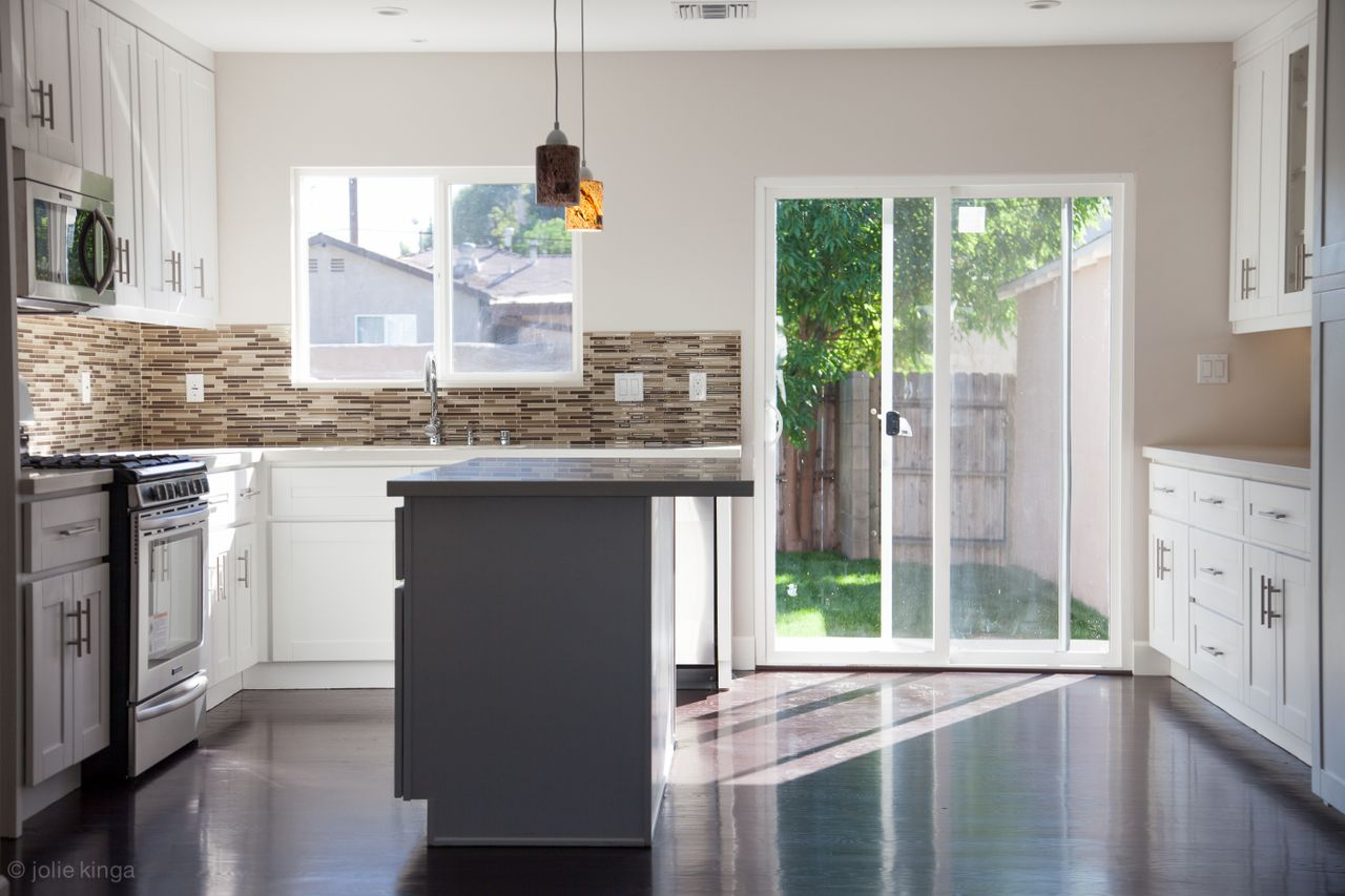 Luxury kitchen remodeling los angeles remodel contractors for Kitchen remodel images